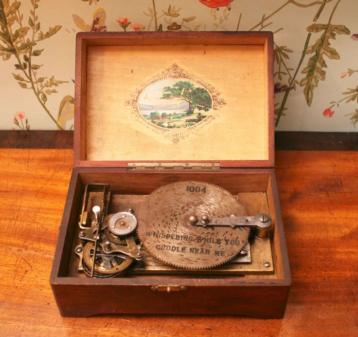 Rare Miniature Swiss c1900 Thorens Interchangeable Disc Musical Box Early Model
