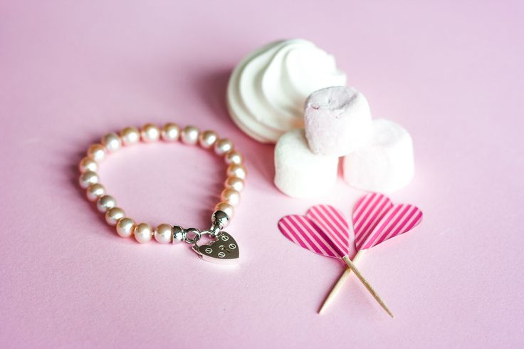 Ahh...pink pearl bracelet with heart clasp. So pretty