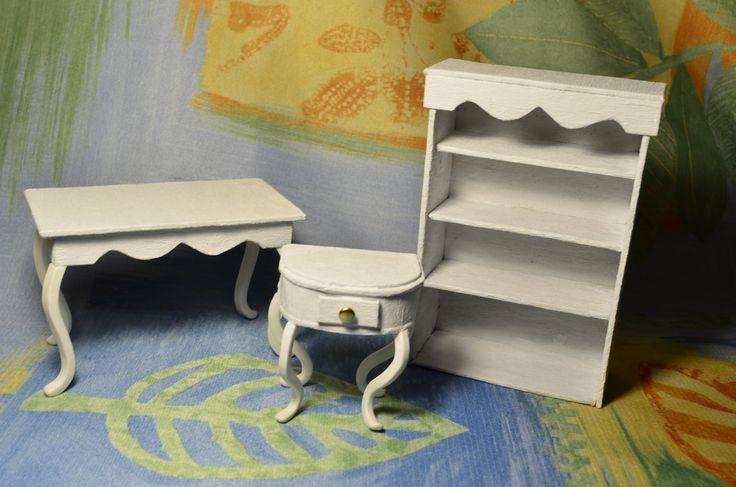 В этом видео я показываю, как я делаю мебель (кукольная миниатюра) шкаф,обеденный стол,консольный столик.Из полимерной глины я сделала ножки для мебели. Все ...