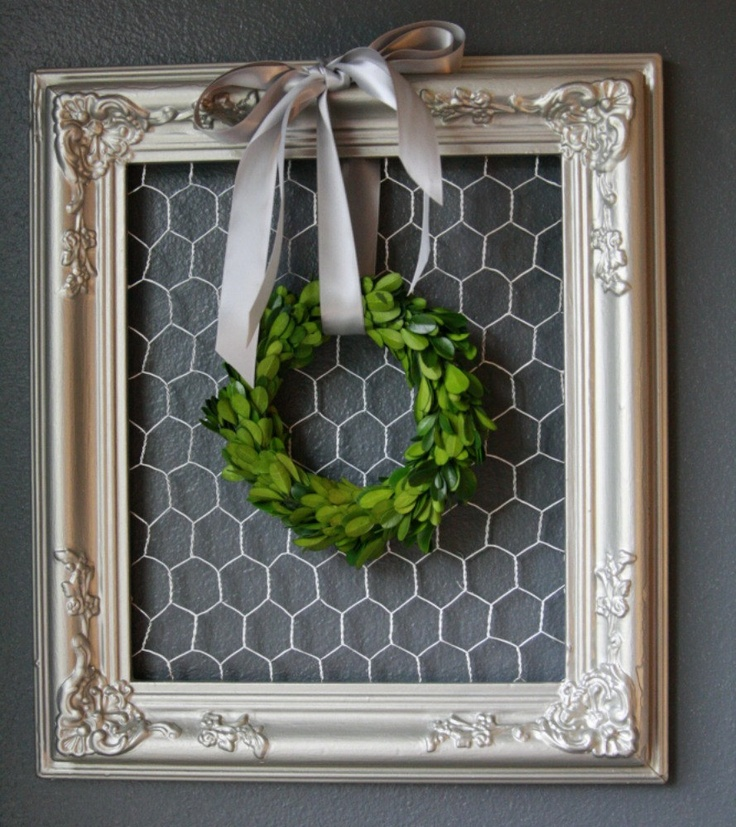 framed chicken wire memo board gray vintage framed ( Intial instead of wreath)