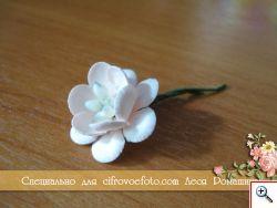 Самодельный цветок вишни