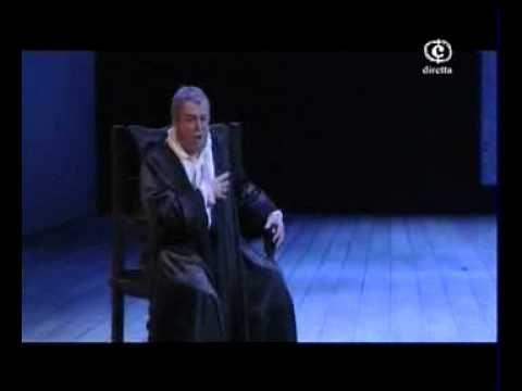 """Ferruccio Furlanetto - Ella giammai m'amò (Don Carlo). No me canso de escuchar este aria del hombre más poderosos de su tiempo llorando desesperado porque """"ella nunca me amó."""""""