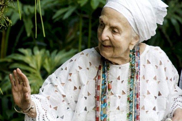 A antropóloga francesa Gisele Cossard Binon ficou conhecida na Baixada como Mãe gisele de Iemanjá - Foto: Divulgação/Governo do Rio