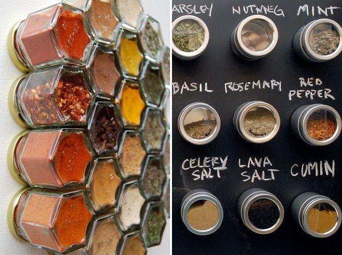hoe kruiden opbergen, kruiden bewaren, kruidenpotjes organiseren, magnetische potjes, magneet, ophangen aan de koelkast