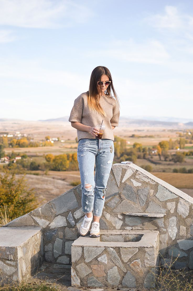 Casual look for Last Day in Florina by Tamara Bellis Fashion Blogger