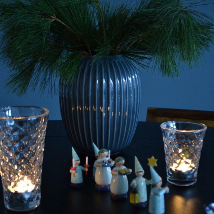 I det mysiga julmörkret tänder bloggaren Anna Hansson massor med ljus! Och så kommer ett alldeles särskilt ljuståg fram! Läs Annas tips på julmys i appen Himma!  Tillsammans med tre andra fina bloggare tipsar @annainreder om bästa julen! @inredningshjalpen @purplearea1 @idamagntorn