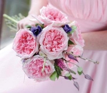 Miranda  wedding bouquet with Garden Roses David Austin Miranda  Νυφικό μπουκέτο με τα καταπληκτικά και πανέμορφα  ροζ τριαντάφυλλα Garden roses David Austin Miranda Flowers Papadakis est 1989  www.flowers4u.gr weddings events decorations