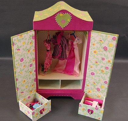 armoire poupee en cartonnage baby doll boites en carton pinterest baby dolls armoires and. Black Bedroom Furniture Sets. Home Design Ideas