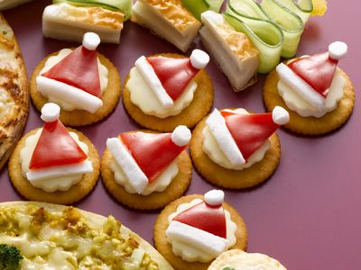 No.25151 fish minced and steamed Christmas hors d'oeuvres (Santa hat)