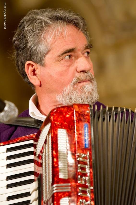 I Cantori di Martignano eseguono la Passione di Cristo in lingua grica a Soleto (Le) il 6 aprile 2014. Info su http://www.cantidipassione.it