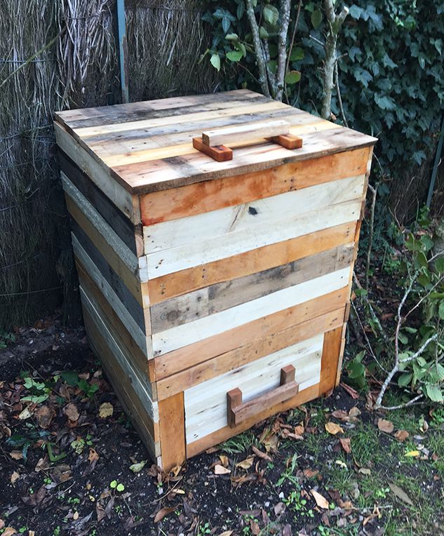 Composteur en bois de palette   Composteur bois, Palette ...