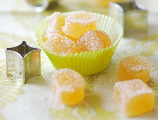 Macht nicht nur Kinder froh und kann sogar Gummibärchensucht kurieren: Dieses Apfelkonfekt ist einfach herzustellen und so köstlich!