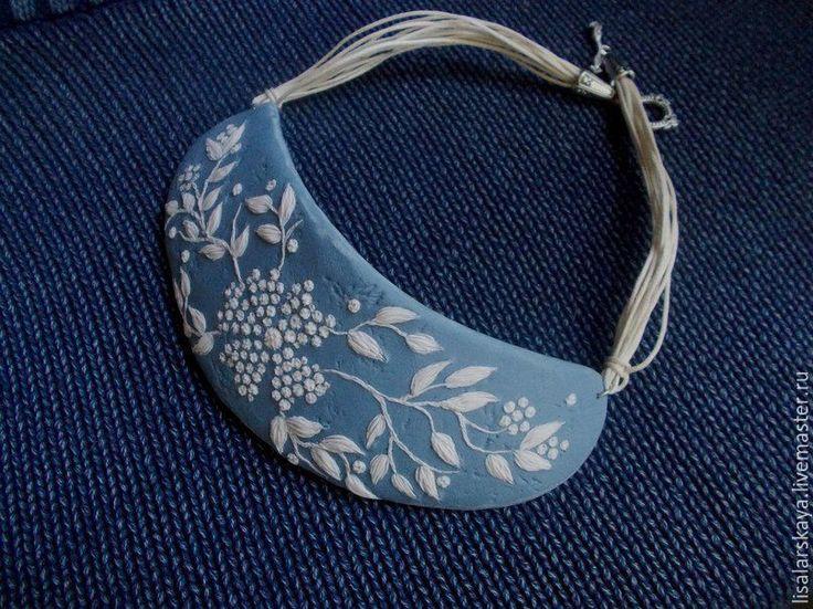 """Купить """"Embroidery"""" - ожерелье из полимерной глины - голубой, полимерная глина, белый, джинсовый, Лепка, украшения"""