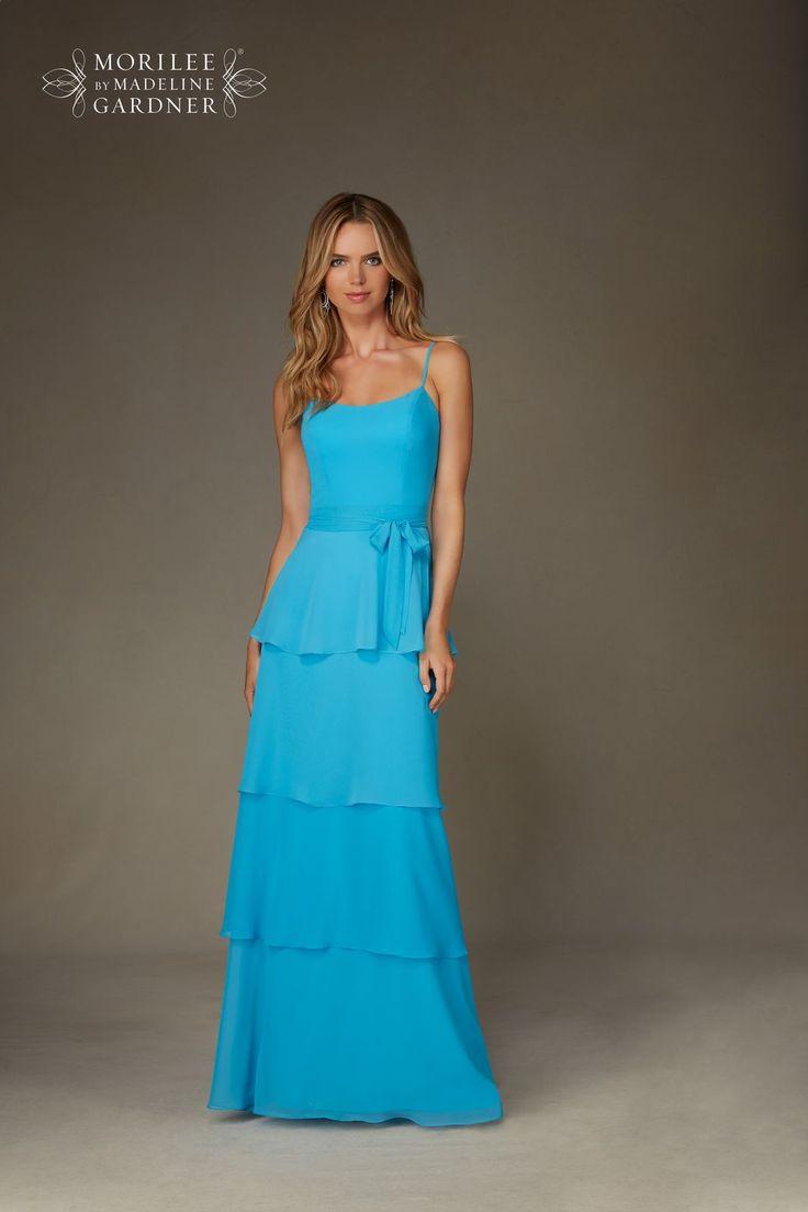 Suknia wieczorowa – letnia Mori Lee na ramiączka. Lekka suknia z szyfonu. Warstwowa spódnica, cięta na kształt falban. Ramiączka zapewnią …