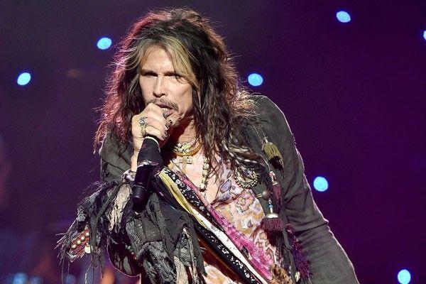 O vocalista ainda disse que, apesar de estar em carreira solo, ama os companheiros de Aerosmith