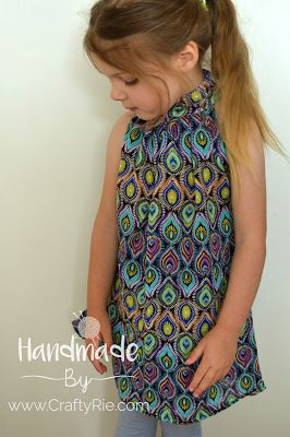 A very easy & beautiful top to sew. http://www.craftyrie.com/2017/11/the-ahh-mazing-emma-top.html