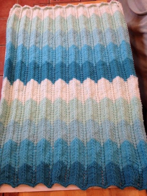 25+ best ideas about Caron cakes patterns on Pinterest Crocheting, Scarf cr...