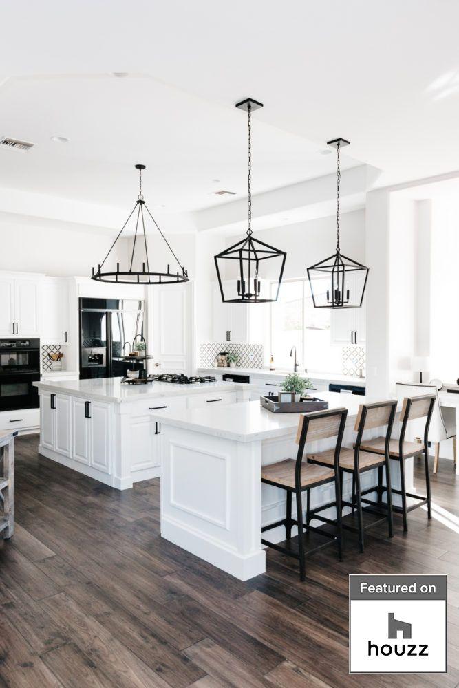 Houzz Top 10 Most Popular Kitchens Of 2019 Tomkat Feature The Tomkat Studio Blog In 2020 White Kitchen Design Interior Design Kitchen Kitchen Style