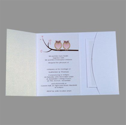 This pocket wedding invitation design features an image of two owls in love sitting on a branch. www.kardella.com