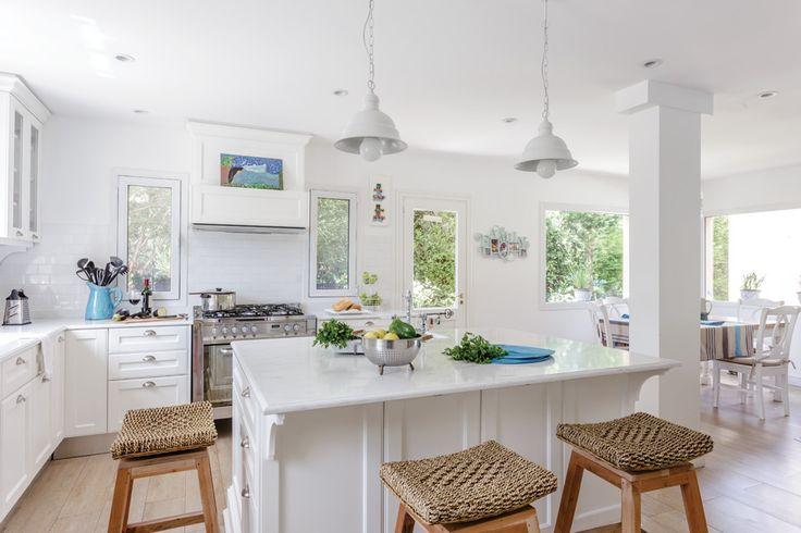 17 best living comedor cocina integrados images on for Banquetas para cocina