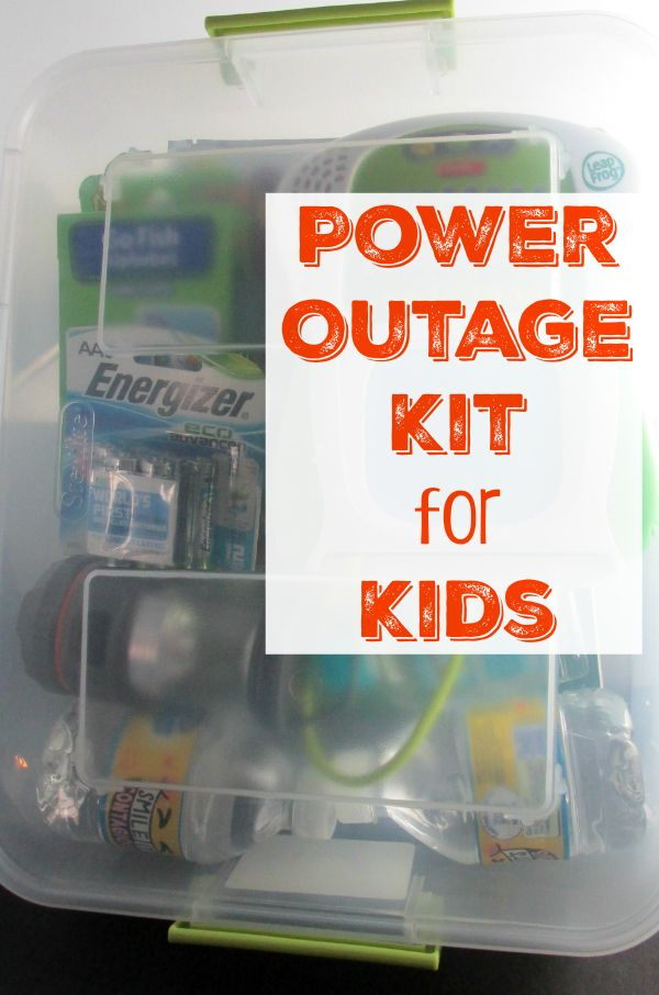 Power Outage Kit for Kids - Do you have a power outage kit for your kids? Check out our tips on what to put in yours to be prepared for when the power goes out! #BringingInnovation [ad]