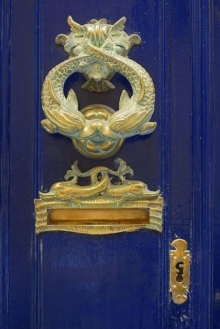 a perfect gray: the beauty of a mail slot
