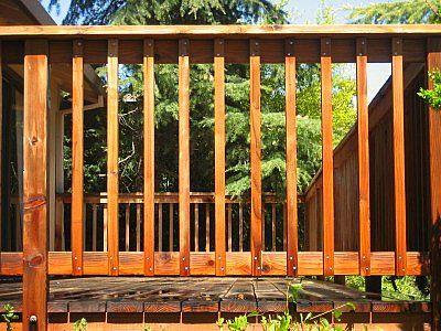 Simple deck railing wood standard