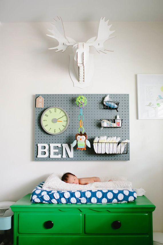 Love the peg board for look and utility. Modern boy's nursery | Erin J Saldana | 100 Layer Cakelet. #laylagrayce #nursery #modern