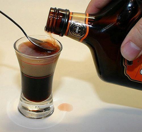 Ликёр с таким экзотическим названием, который готовится в домашних условиях, - один из вариантов кофейного ликёра, это один из популярнейших самодельных ликеров…ПОТРЕБУЕТСЯ:Пол литра водки, 3 столо…