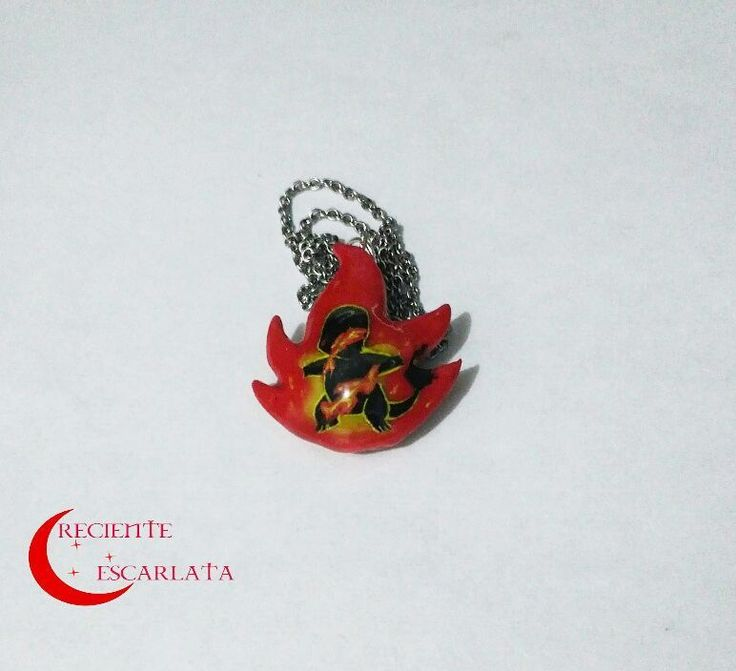 Collar de rojo fuego.  Encargo  Precio: $14.000 Pesos  Como siempre resultan clientes con ideas interesante. Haré más de este tipo, mejor dicho, hay muchas ideas pendientes.  Pedidos disponibles.  Whatsapp 319 277 21 13  #handmade #craft #modelado #redfire #pokemonred #pokemonredandblue #pokemon #charmander #fire #modelismo #manualidades #japan #firetype #necklace #artesanal #coldporcelain #coldporcelainclay #handpainted #collares #rojofuego🔥 #rojofuego #pokemonrojofuego