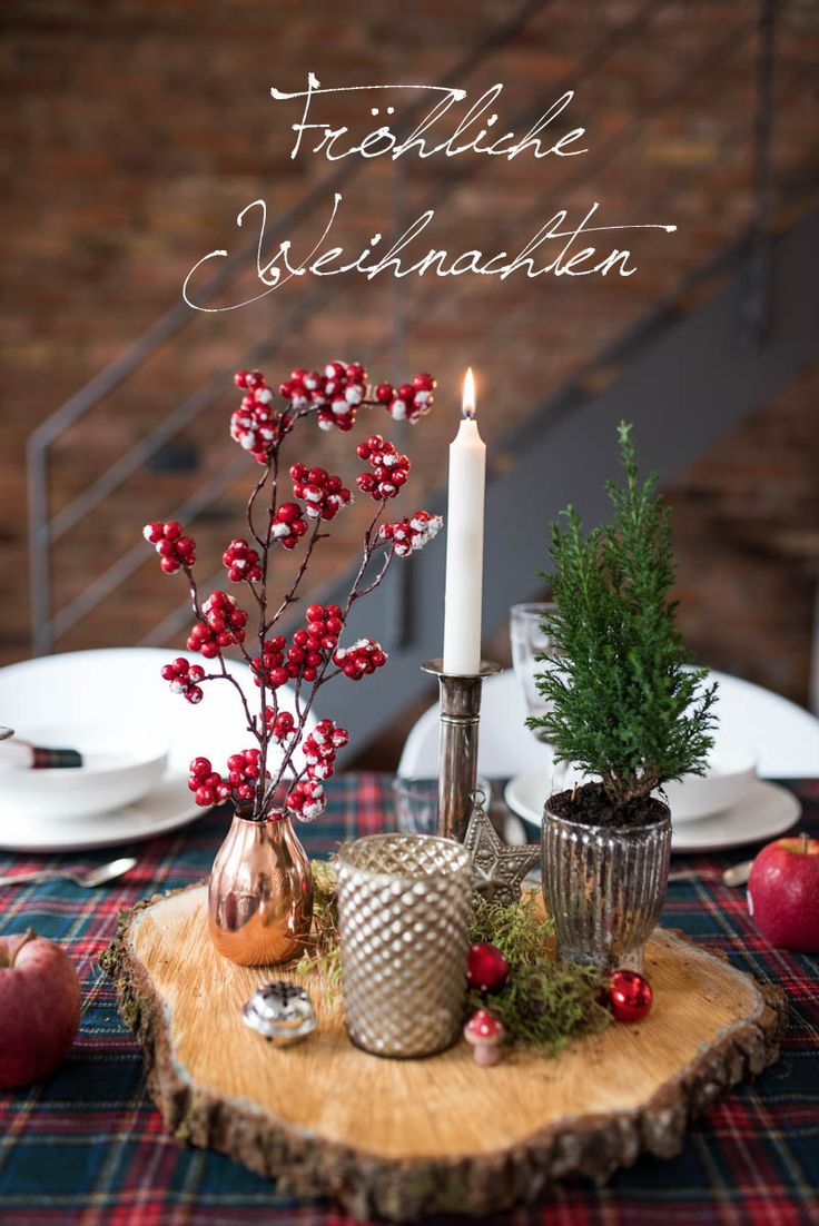 Weihnachtliche Tischdeko im rustikalen Look mit Karo und Holz in den Farben Rot, Kupfer und Weiß im vintage Stil