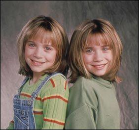 Risultati immagini per due gemelle e una tata
