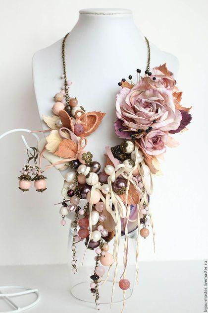 Incredible floral beadwork necklace!<3