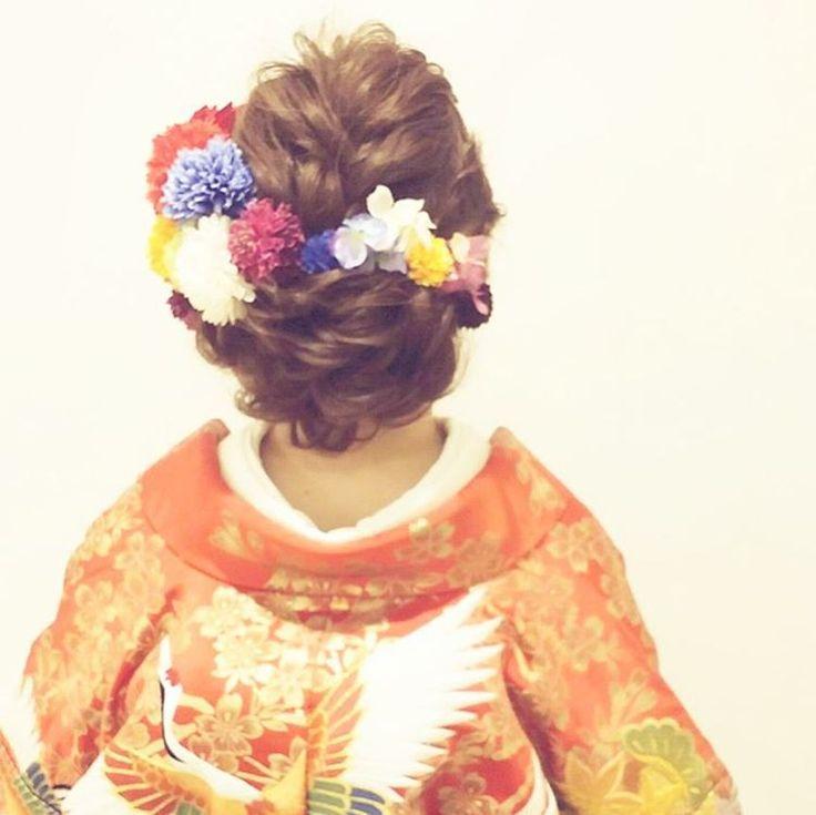 先日の和装ロケーション撮影のお客様 ヘアはお任せで!ということで 編み込みスタイル ビビッドなカラーのお花をいっぱい付けました #ヘア #ヘアメイク #ヘアアレンジ #結婚式 #結婚式ヘア #ウェーブ #ブライダル #ウェディング #名古屋 #バニラエミュ #セットサロン #ヘアセット #アップスタイル #ヘアスタイル #プレ花嫁 #ゼクシー #前撮り #アクセサリー #和装 #撮影 #ファッション #成人式 #振袖 #style #photo #cute  #hair #wedding #hairarrange #hairmake