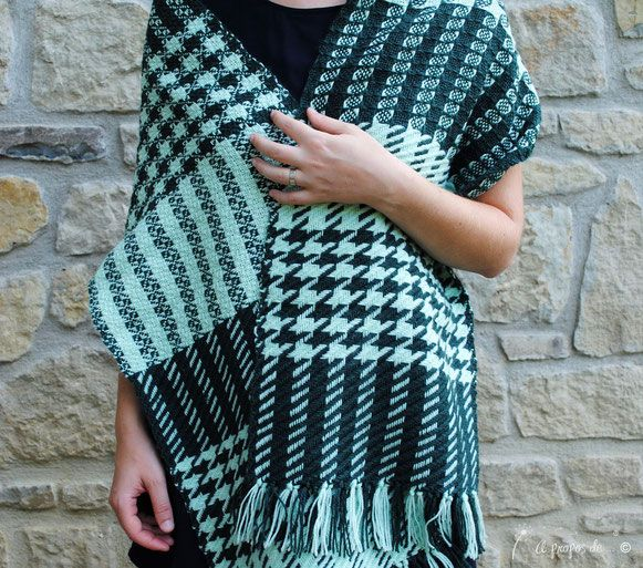 We go green handwoven scarf by Atelier Faggi Italy - #weaving #weaving-techniques #handweaving #atelierfaggi