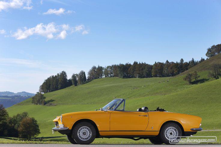 Fiat 124 Sport Spider (1969) - Unsere schönsten Bilder von 2013: https://www.zwischengas.com/de/bildermagie/highlights2013fahrzeuge?from=teaser&where=bildermagie&utm_content=buffer09098&utm_medium=social&utm_source=pinterest.com&utm_campaign=buffer  Foto © Daniel Reinhard