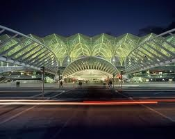 Gare do Oriente, the multimodal station. Here you can take the train or bus bus for national or international destinations, and the metro to visit the city.