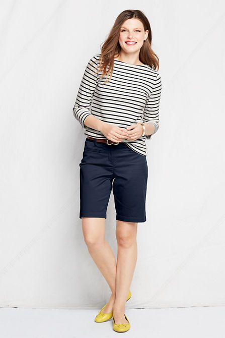 What to wear with Navy Bermuda Shorts: stripe top + color pop shoes/sandals