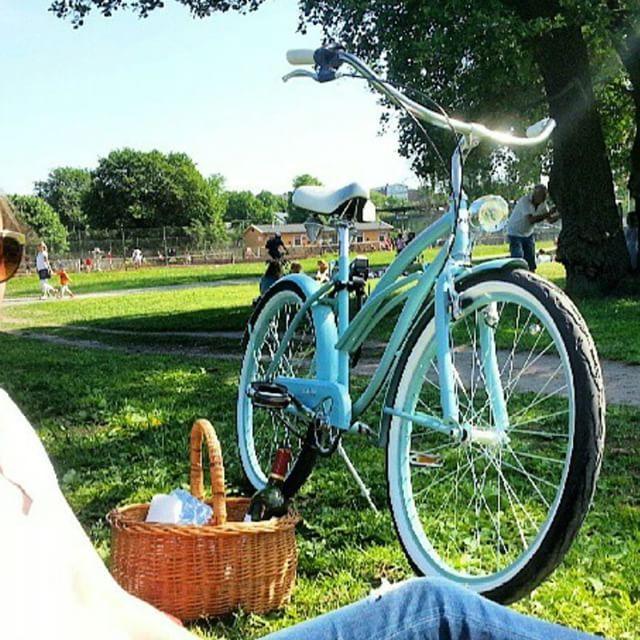 En foto modelo BICICLETA PARA MUJER SKINNY TURQUESA  Precio: 329 € http://favoritebike.com/shop/beach-cruiser/bicicleta-para-mujer-skinny-turquesa/ Disponible en nuestra #web www.favoritebike.com   #beachcruiser #bicicletaurbana #garden #bike #bicycle #cycling #gardenparty #weekend #summer #holidays #instamood #bestoftheday #picoftheday #ootd #green #healthychoices #healthy #eco #friends #bicicletas #new #vacaciones paseo…