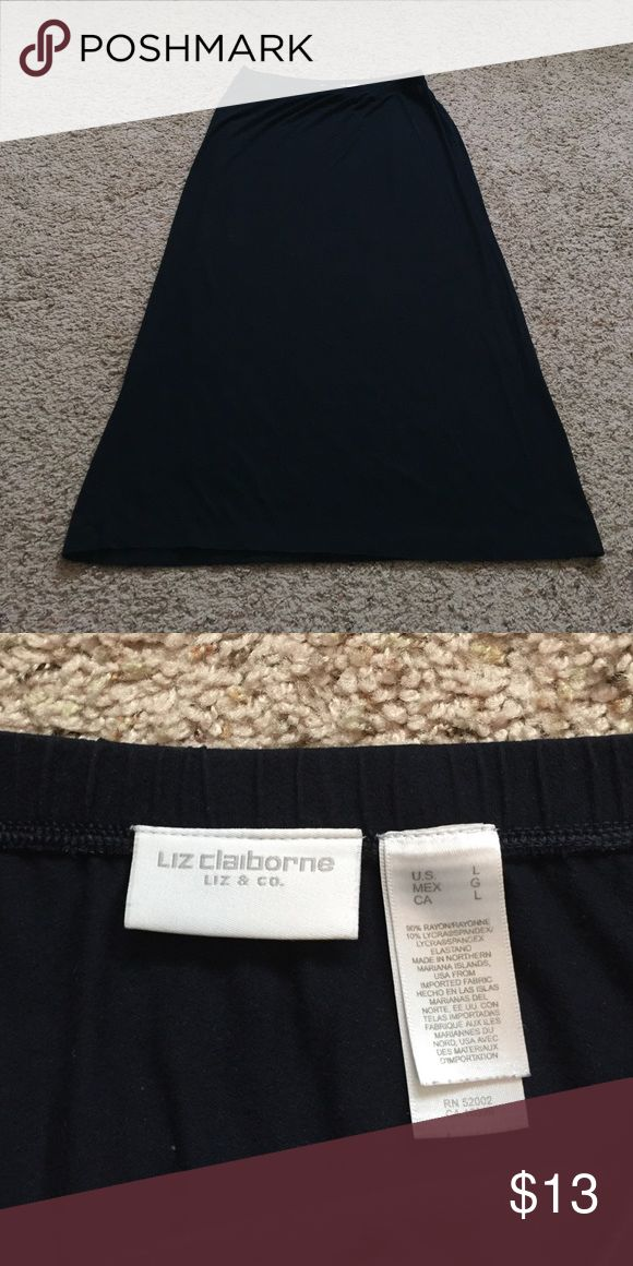 Liz Claiborne navy Maxi skirt size large Liz Claiborne basic navy Maxi skirt. Size large. In good condition, has been worn but no flaws. Great basic! Liz Claiborne Skirts Maxi