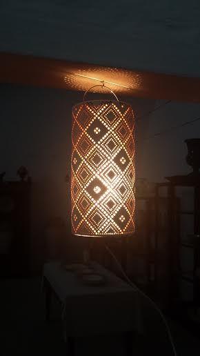LUMINU lampada sospesa. realizzata in argilla finita ceramica, con struttura in metallo portalampada.  www.langolohomeliving.com https://www.flickr.com/photos/130478964@N02/sets/72157650222992495