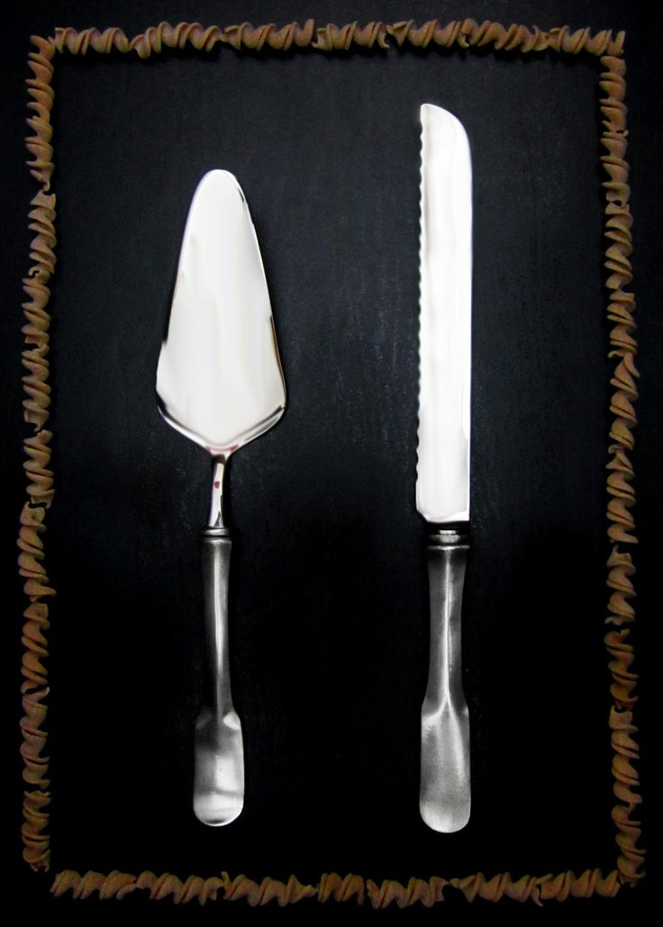 Pewter & Stainless Steel Cake Slice & Bread Knife - Food Safe Product - #pewter #stainless #steel #serving #flatware #cutlery #serveware #set #peltro #acciaio #posate #servizio #servire #zinn #edelstahl #stahl #servierbesteck #étain #etain #couverts #peltre #tinn #олово #оловянный #tableware #dinnerware #table #accessories #decor #design #bottega #peltro #GT #italian #handmade #made #italy #artisans #craftsmanship #craftsman #primitive #vintage #antique