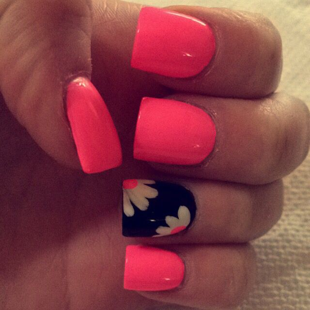 Cute pink acrylic nails with flower design
