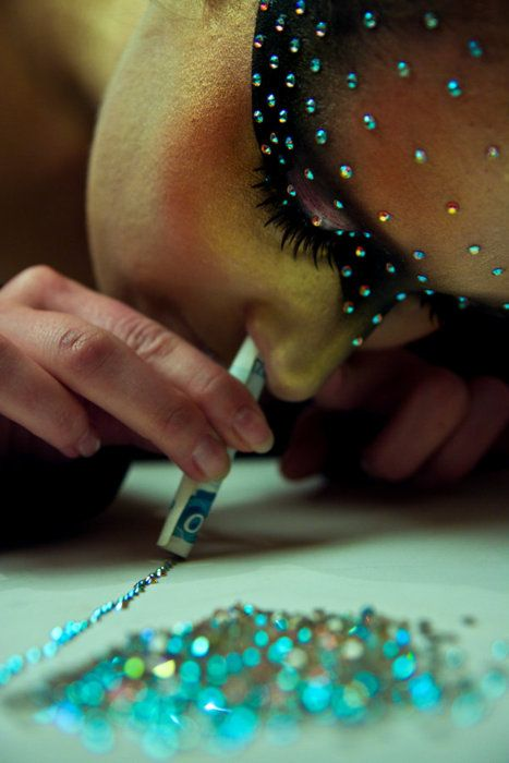 """""""Am I going crazy or is she literally sniffing glitter?"""" I said as the woman at the party continued her experience. """"Please tell me!"""""""