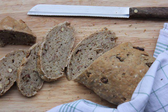 Das perfekte Walnussbrot Hausgemachte Brot, sehr einfach und lecker...-Rezept mit Bild und einfacher Schritt-für-Schritt-Anleitung: Mehlsorten in eine…