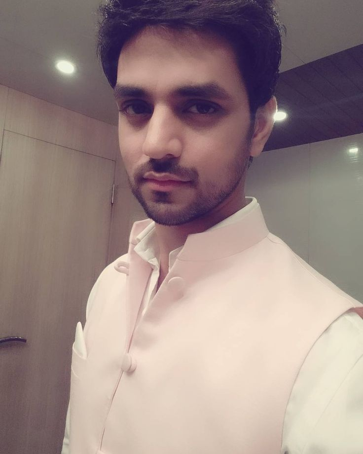 "shaktiarora: ""Eye contact is more intimate than words will ever be.. #swag #mannmeinvishwaashai #sonytv @SonyTV #speaking #eyes #soul #intimate #words #vanity #pink"""