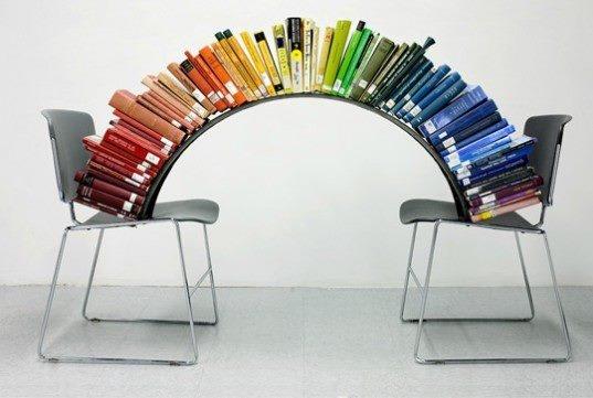 """La vida es un arcoíris que incluye el negro."" Yevgeni Yevtushenko.  http://www.quelibroleo.com/autores/yevtushenko-yevgeny"
