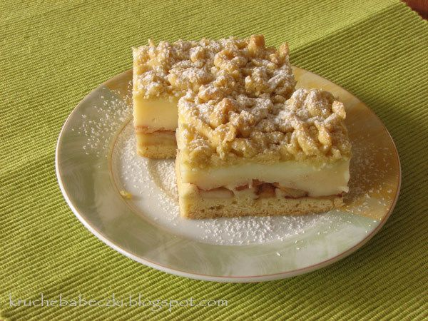 Ciasto kruche z jabłkami i budyniem - http://www.mytaste.pl/r/ciasto-kruche-z-jab%C5%82kami-i-budyniem-4150018.html