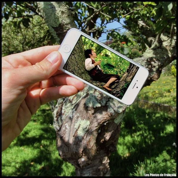 КиноПоиск в Твиттере: «Фотограф Франсуа Дурлен создал потрясающие снимки, совместив фото обычной жизни с кадрами из фильмов на своем iPhone http://t.co/N12mXp57Re»