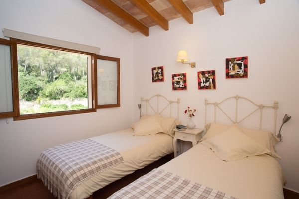 country house-bell lloc-bedroom